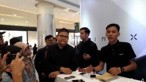 PR Manager OPPO Indonesia menjelaskan mekanisme trade-in OPPO Find X Rabu 8 Agustus 2018.