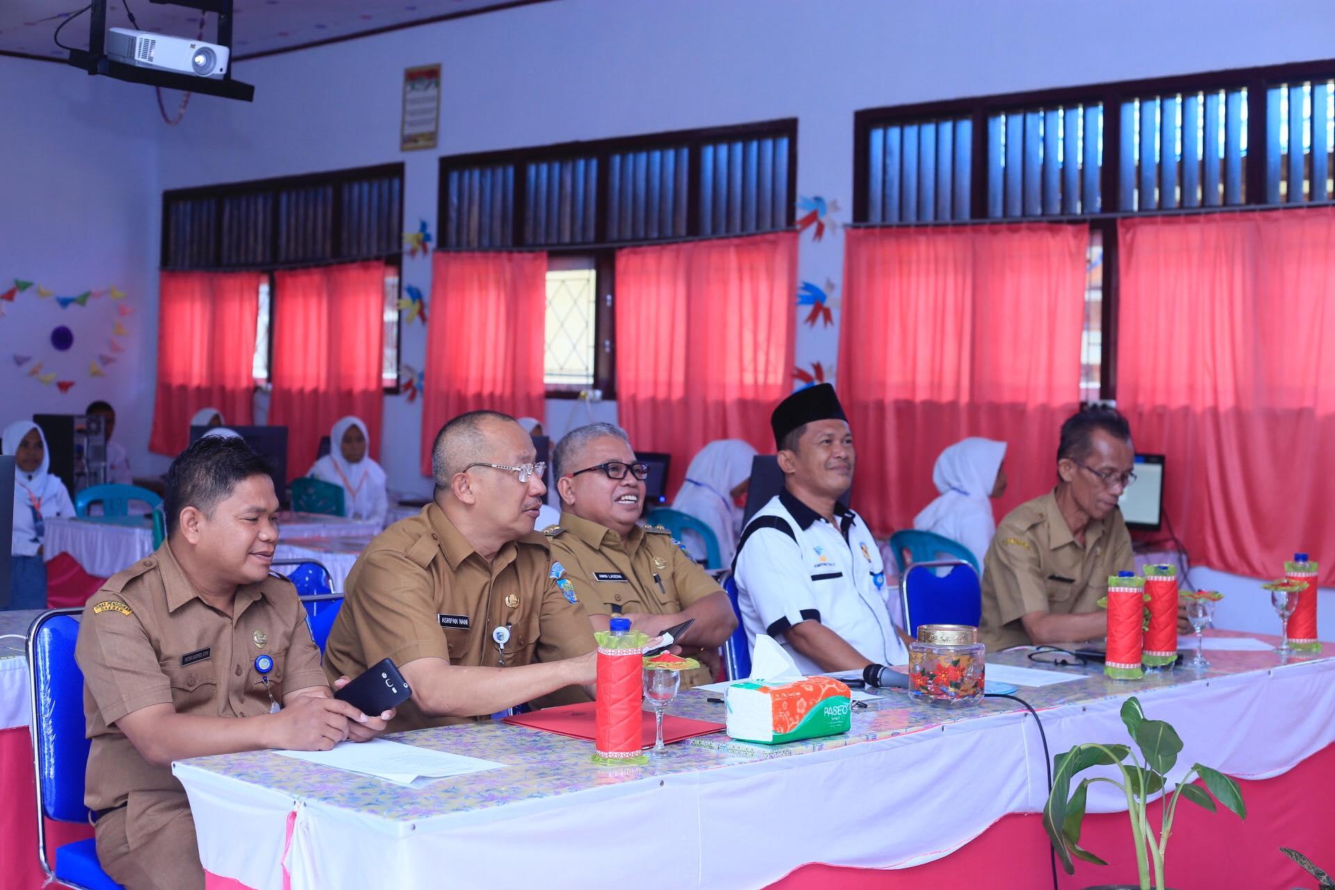 Wakil Bupati Amin Lasena Buka UNBK SMK Kaidipang Tahun 2019