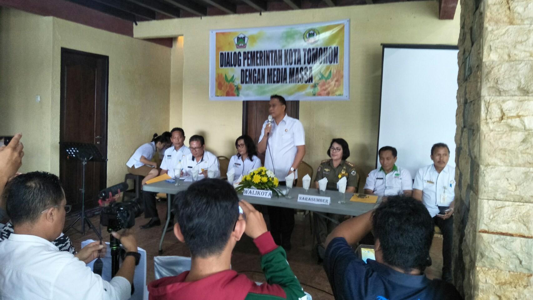 Walikota Eman: Peran Wartawan Ikut Dorong Pembangunan Tomohon
