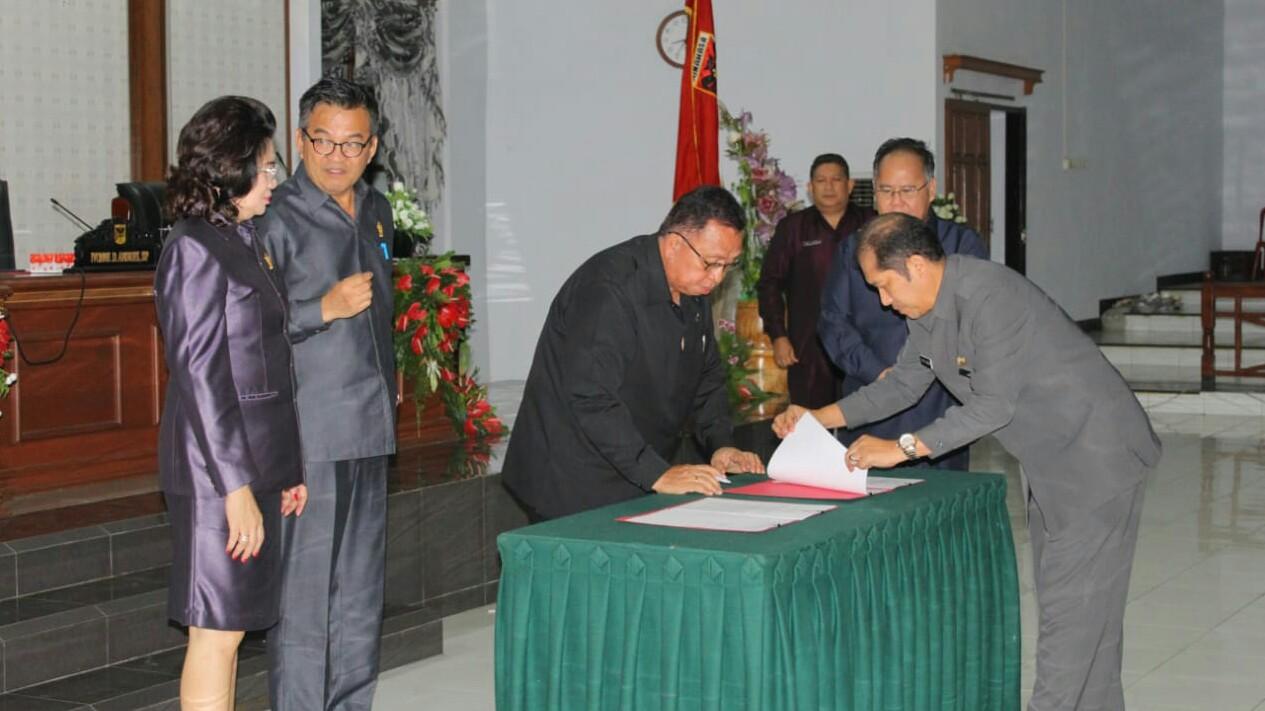 Dihadiri Wabup RD, Ranperda LPJ APBD 2018 Disahkan