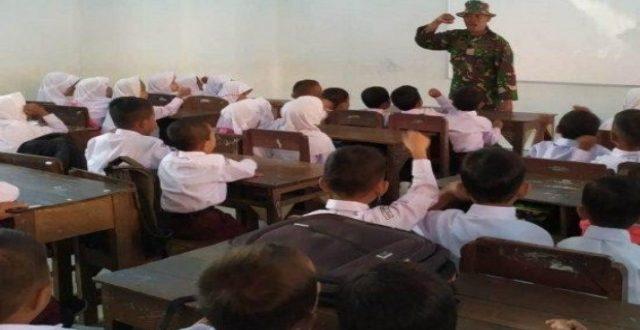 Dalam Kegiatan  TMMD Kodim 0722/Kudus Tanamkan Jiwa Disiplin Kepada Anak-Anak SD