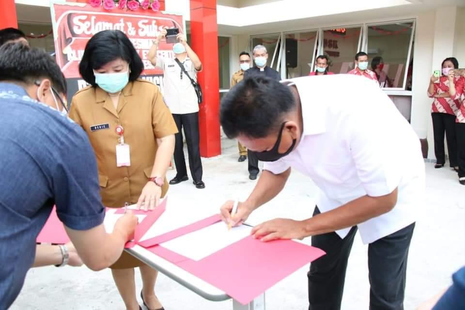 RS Siloam Serahkan Bantuan 300 Nasal Swab Test, Pemprov Sulut Apresiasi