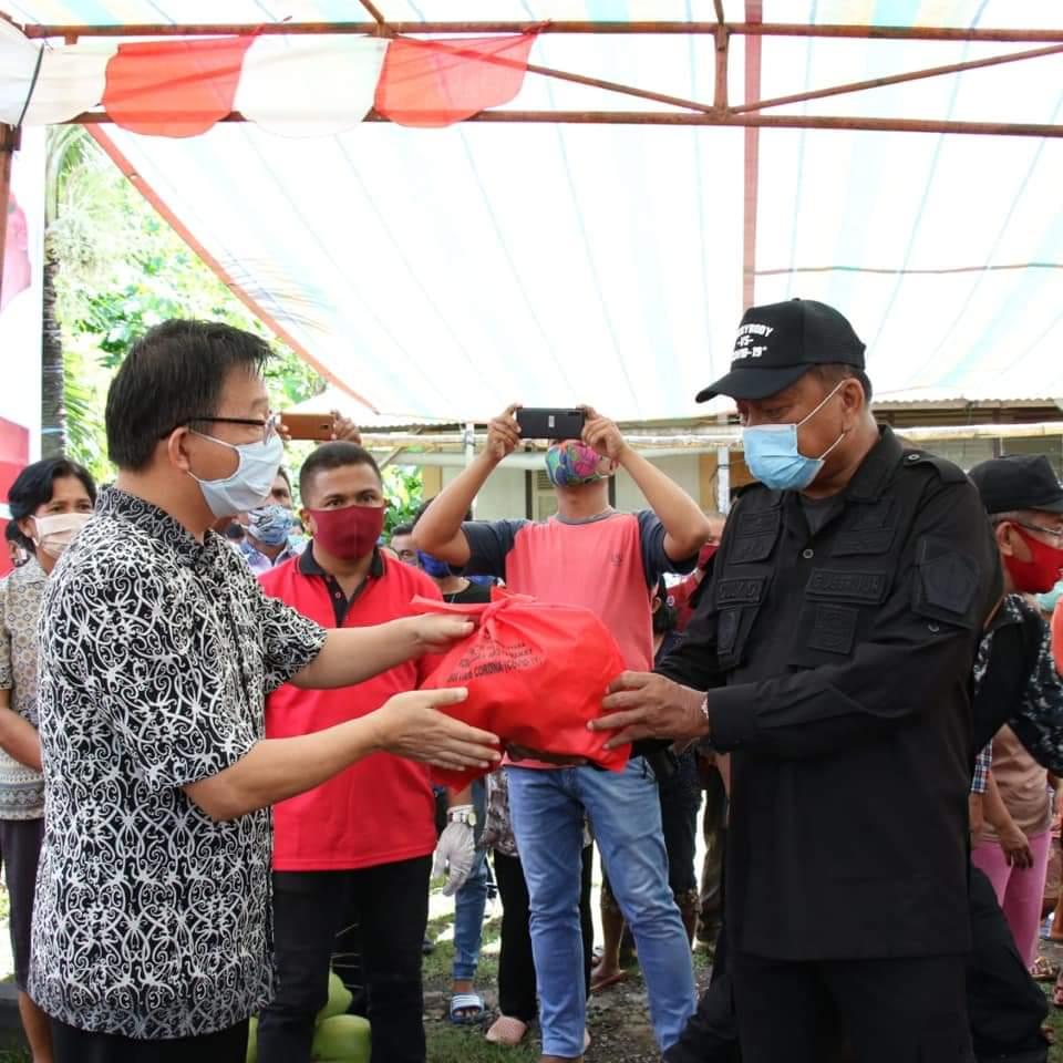 Lima Hari Kerja, Gubernur OD Sukses Bagi Sembako di 5 Pulau