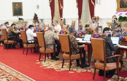 Pimpin Rapat Hilirisasi Ekonomi Digital, Presiden Instruksikan Percepatan Digitalisasi UMKM