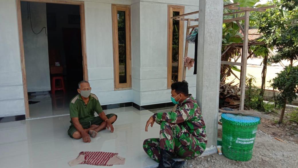 Babinsa Dengarkan Aspirasi Warga Pasca Giat TMMD di Desa Tamansari